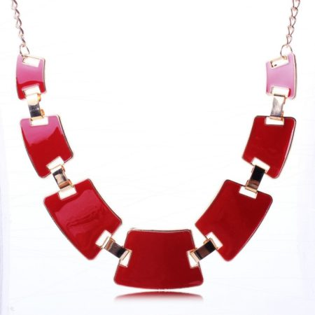 Collier quadrilateres rouge