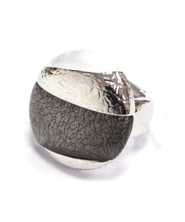 bague cabochon gris