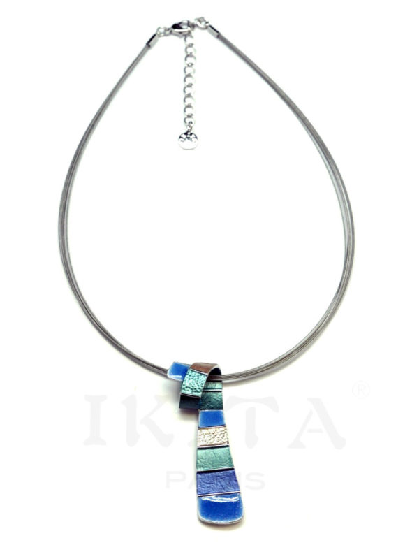 collier cravate bleu