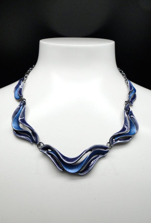 collier vague bleu 2
